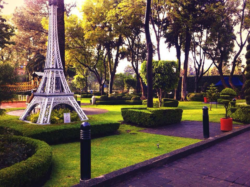 Salones. Club France. México, DF.