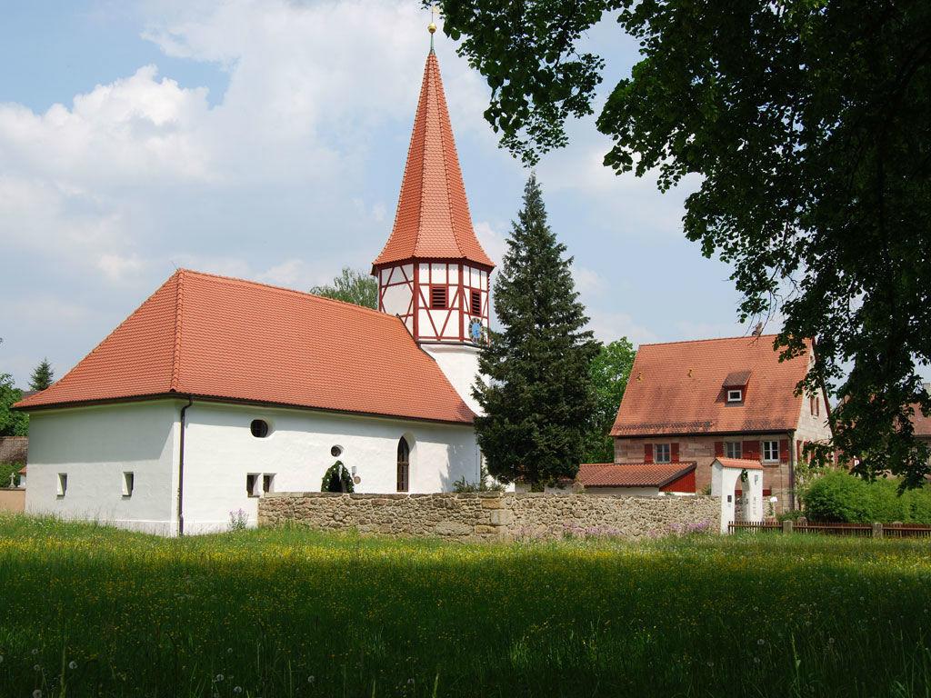 Beispiel: Dorfkirche, Foto:  GenussRäume der SchulerGruppe - Schloss Dürrenmungenau.