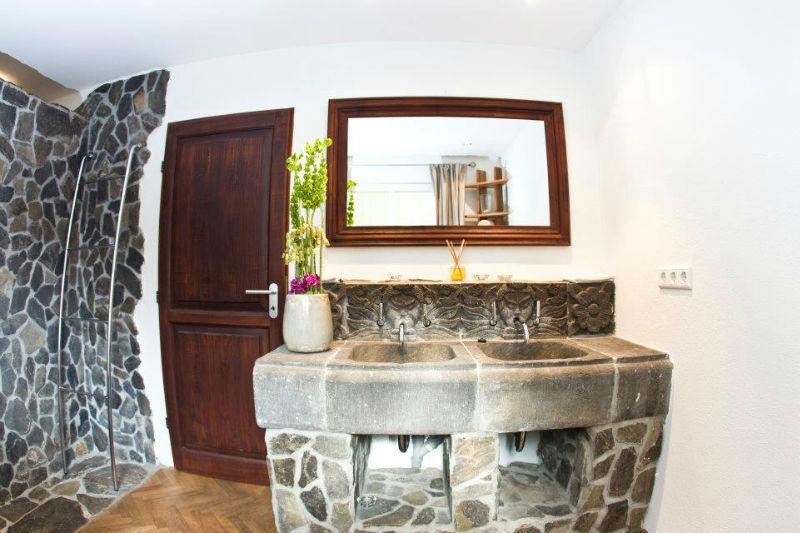 Badezimmer im Gästehaus, Foto: Liebevoll in der Auermühle.