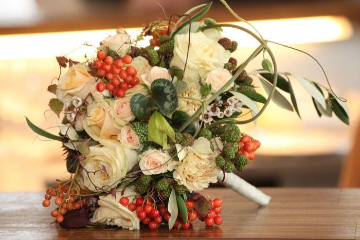 Beispiel: Brautstrauß, Foto: Perfekte Hochzeit.