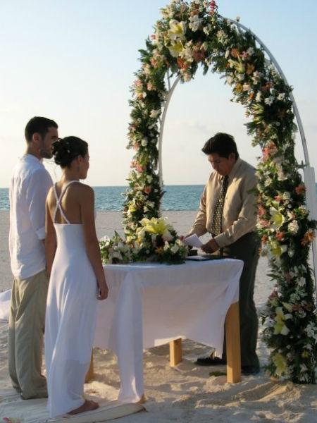 Boda destino en la playa de La Isla De La Pasión, Diamond Orchid Wedding Wedding Planners