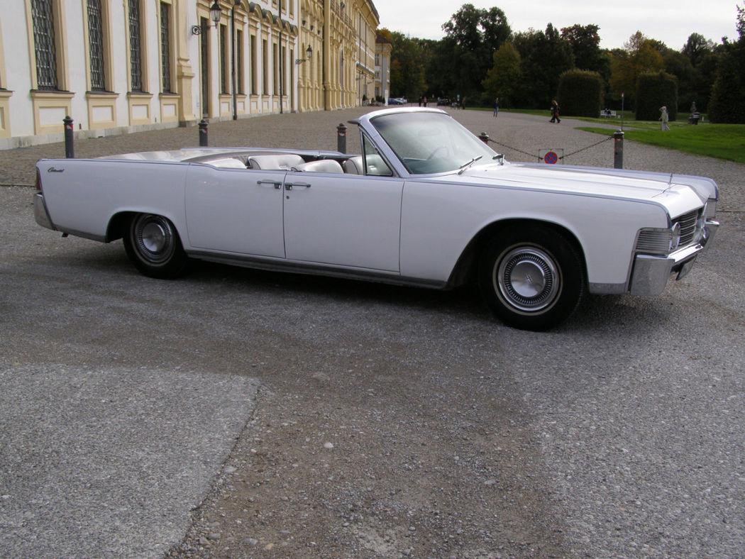 Ihr Hochzeitsauto mit Chauffeur: Lincoln Contiinental Convertible Foto: Classic Roadster München