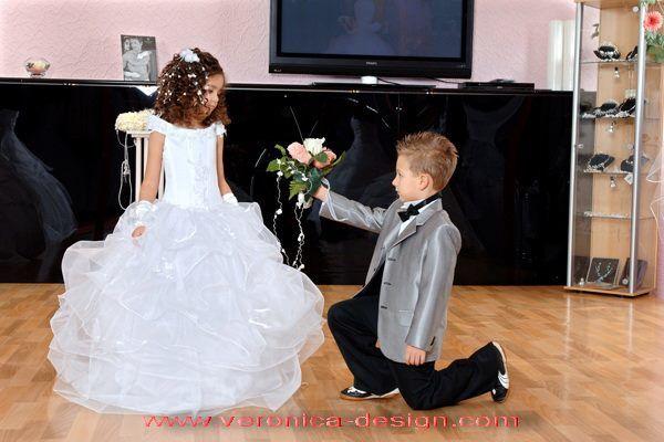 Beispiel: Festliche Kleidung für Kinder, Foto: Design by Veronica Ostrovskaya & Alyona Subbotina.
