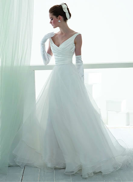 Beispiel: Wunderschöne Brautkleidkollektionen, Foto: Zoro Sposa.