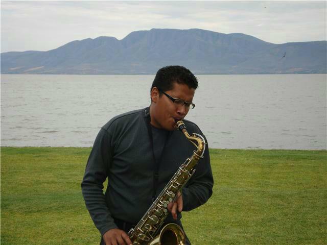 Saxofonista para boas