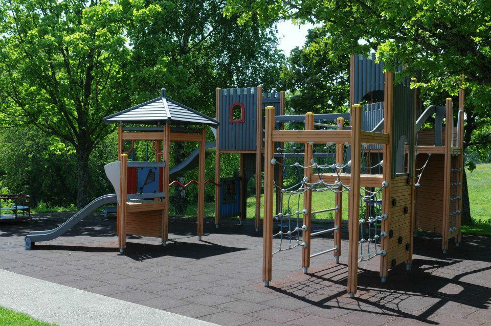 Beispiel: Spielplatz, Foto: Hotel Twannberg.