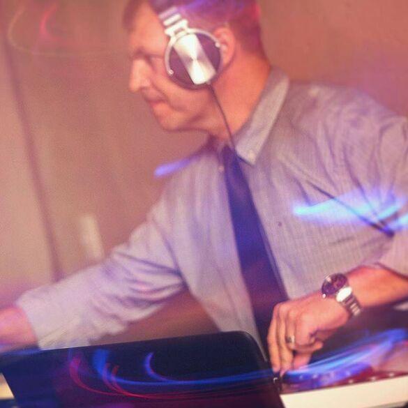 Nick D Jay - Dj Som Iluminação Telão e Projetor