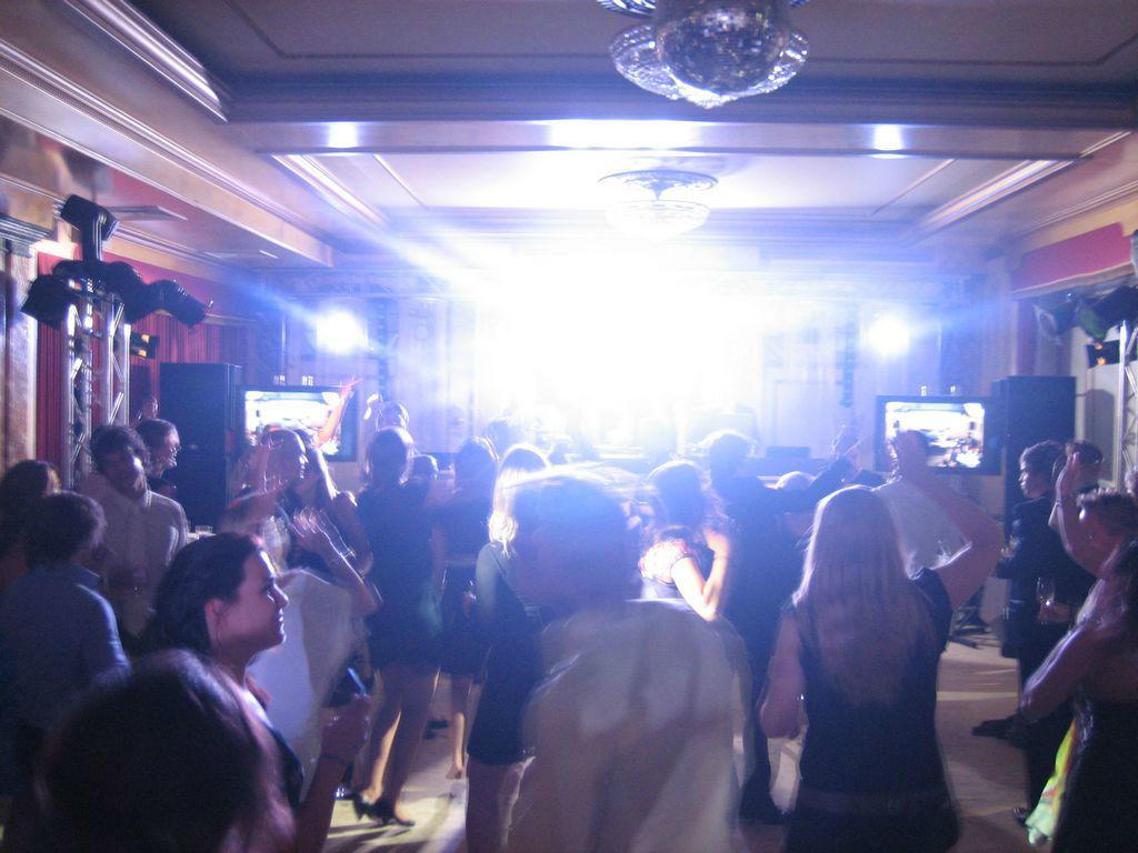 Bruiloft.DJ - DJ's voor exclusieve bruiloften