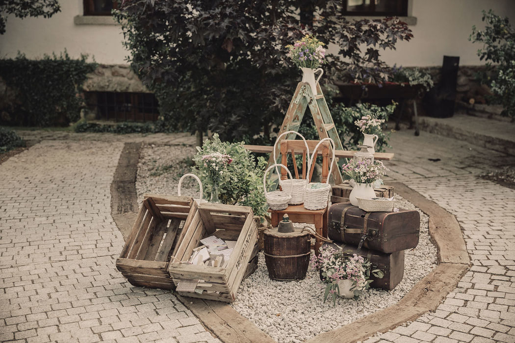 Seven Weddings - Sevilla