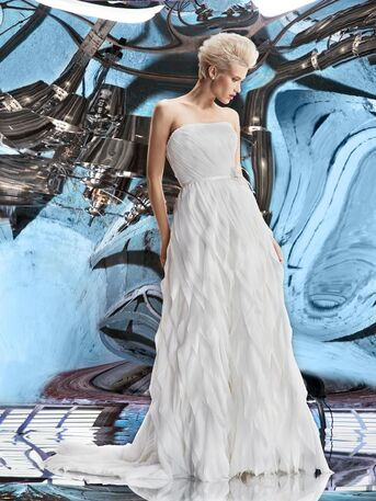 Легкое,струящееся платье А-силуэта с необыкновенной юбкой из шифона от Helen Miller