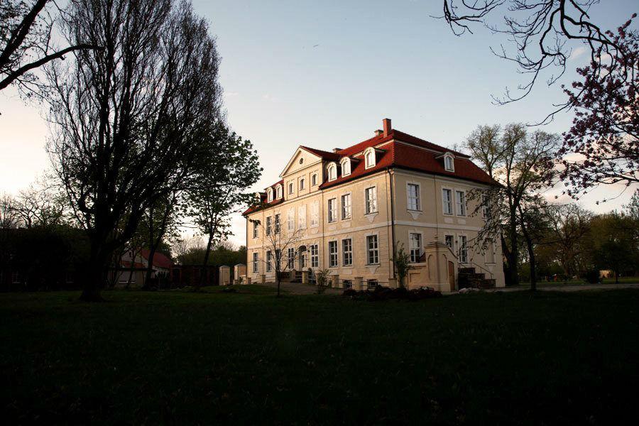 Beispiel: Außenansicht, Foto: Schloss Grube.