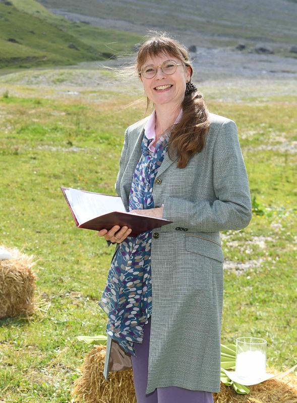 Die Pfarrerin - Barbara Stehle