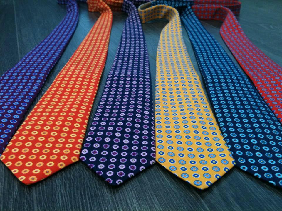 Complementa tu traje con una corbata