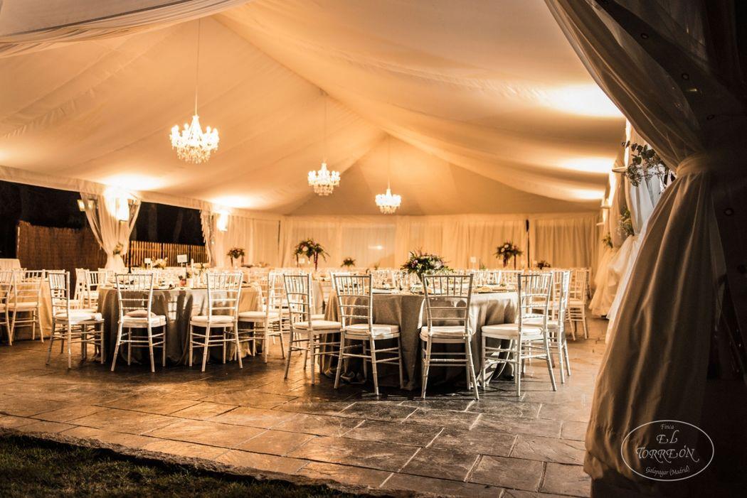 Montaje de boda en carpa