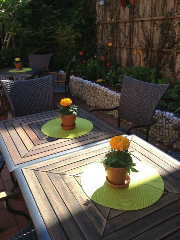 Beispiel: Terrasse, Foto: Bio Hotel Bayerischer Wirt.