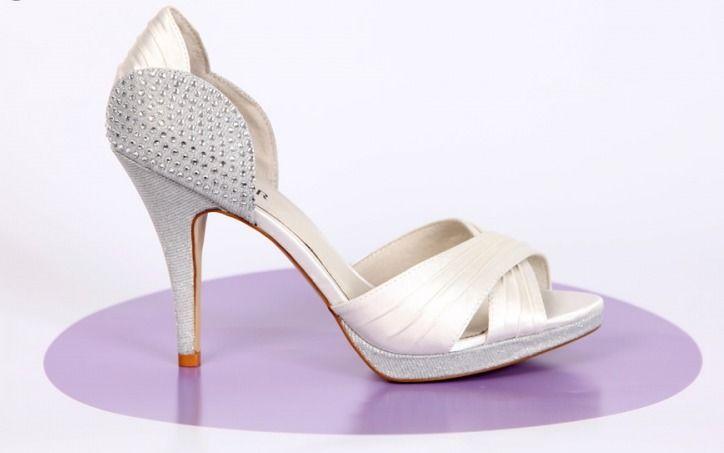 Beispiel: High Heels für die modische Braut, Foto: Gwendolina - Schöne Schuhe für die Braut.