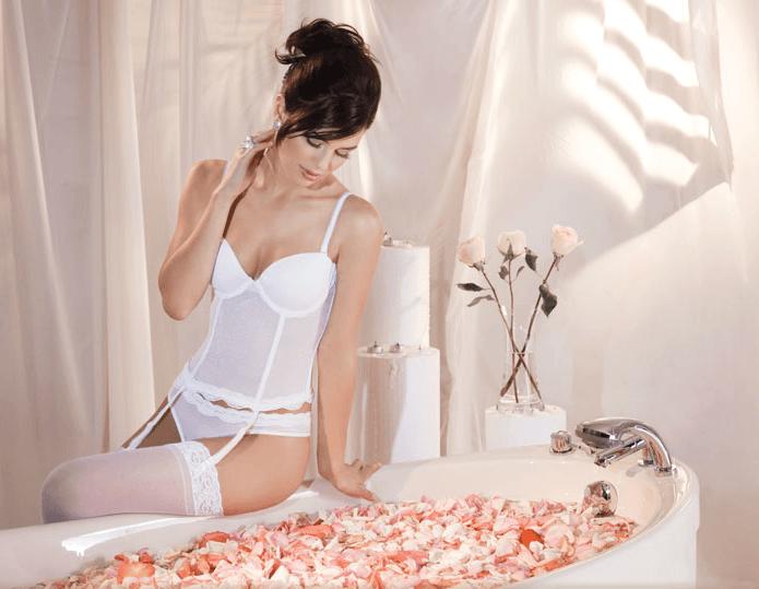 Conjunto blanco de novia con corset