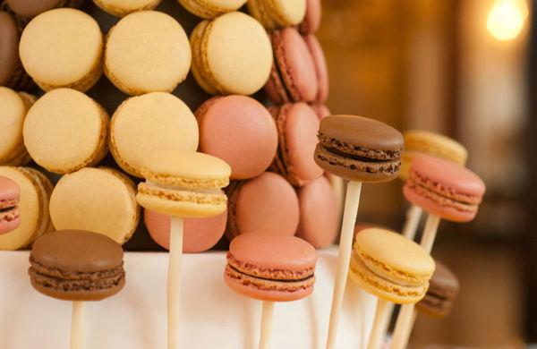 Beispiel: Macarons, Foto: Gerstner Catering.