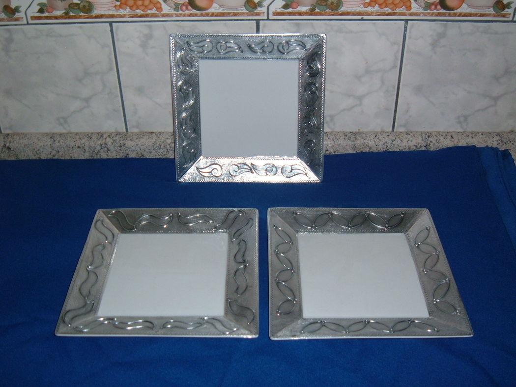 Plato loza blanca 20x20 cms., con aplicación aluminio