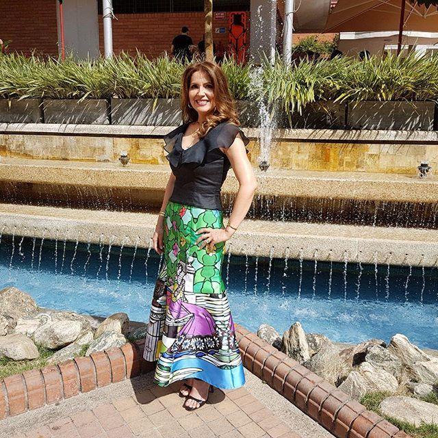 Mercedes Reyes - Vestidos de fiesta