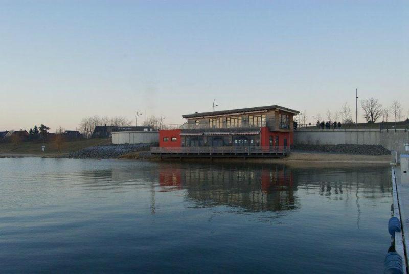 Beispiel: Blick vom See, Foto: Strandcafé am Markkleeberger See.
