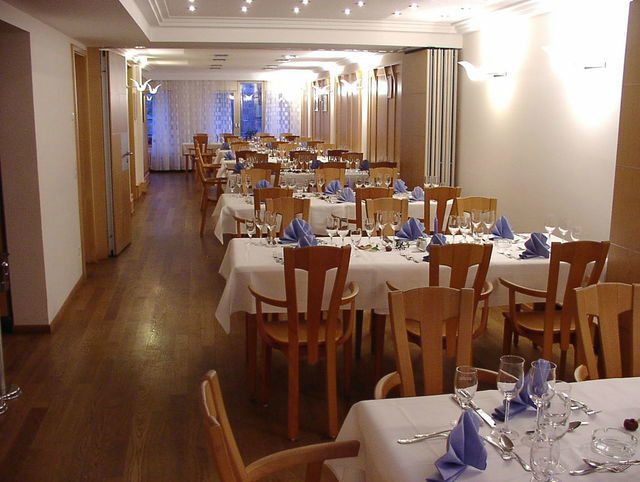 Beispiel: Innenraum, Foto: Restaurant & Weinstube Heiliggeist Stüble.