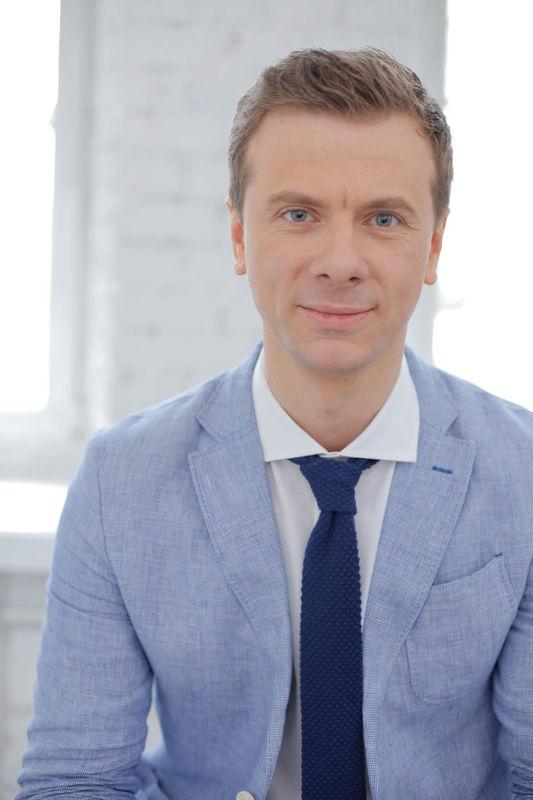 Ведущий Антон Кукушкин