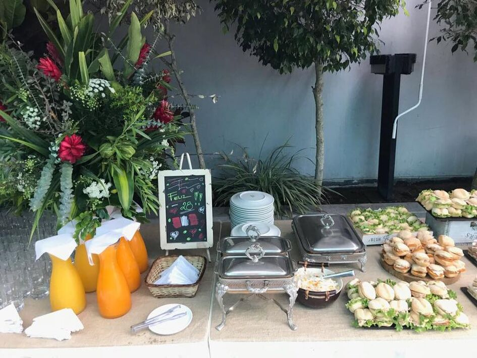 Cristina De Souza  Catering & Eventos
