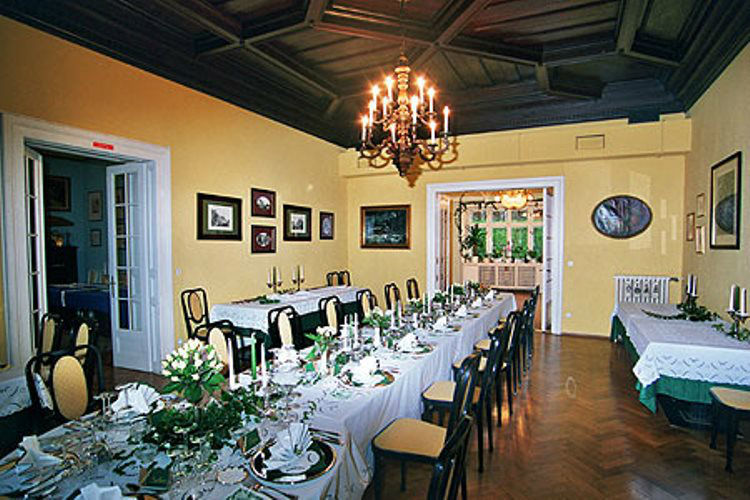 Beispiel: Hochzeitstafel, Foto: Plabutscher Schlössel.