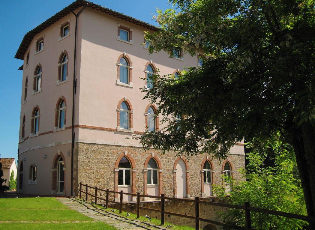 L'entrata dell'Hotel Certaldo a Certaldo (Toscana)