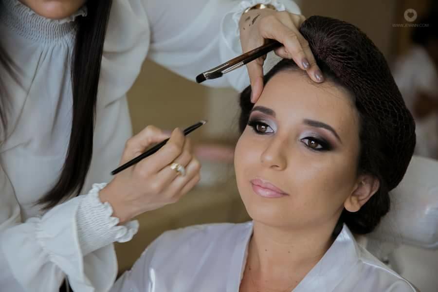 Flavia Moreira Make up Hair
