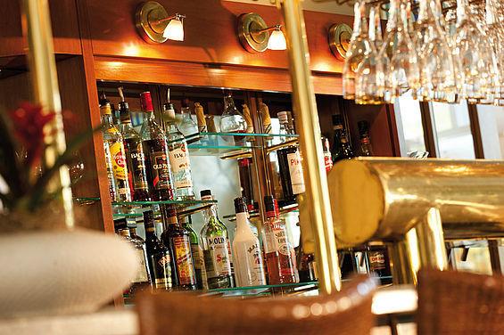 Beispiel: Lounge-Bar im Strandhotel Zinnowitz, Foto: Travel Charme Strandhotel Zinnowitz.