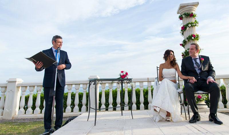 Maestro de ceremonias para boda civil