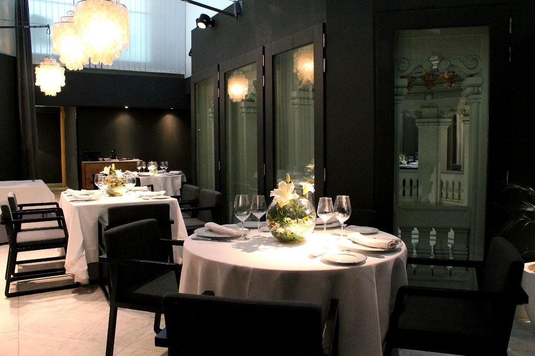 Zona interior Palacio de Cibeles. Montaje banquete.