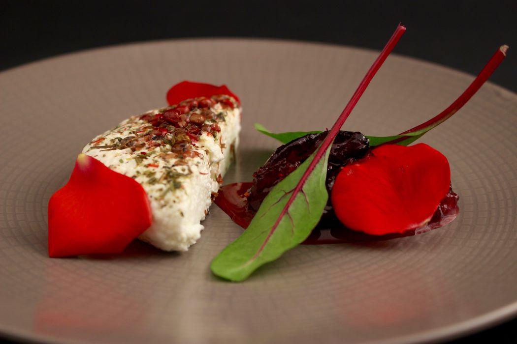 Murolait, confiture de fruits rouges et pétales de roses