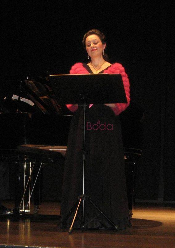 Mercedes Hurtado, soprano