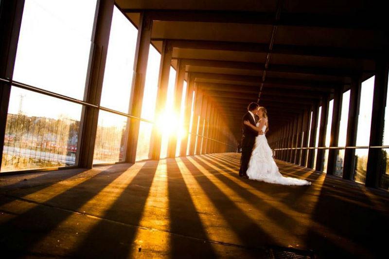 Beispiel: Glück zu Zweit in Bildern verewigt, Foto: Janograf Wedding Photography.