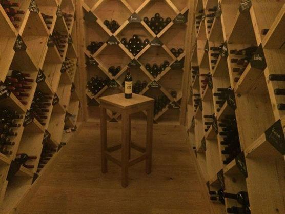 Beispiel: Hoteleigener Weinkeller, Foto: Hotel Ermitage.