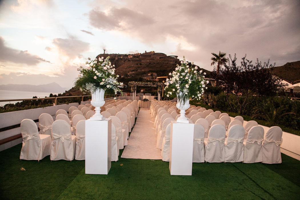 Grand Hotel Pianeta Maratea - l'allestimento per il rito civile  in terrazza  - photo : Umberto Calipari
