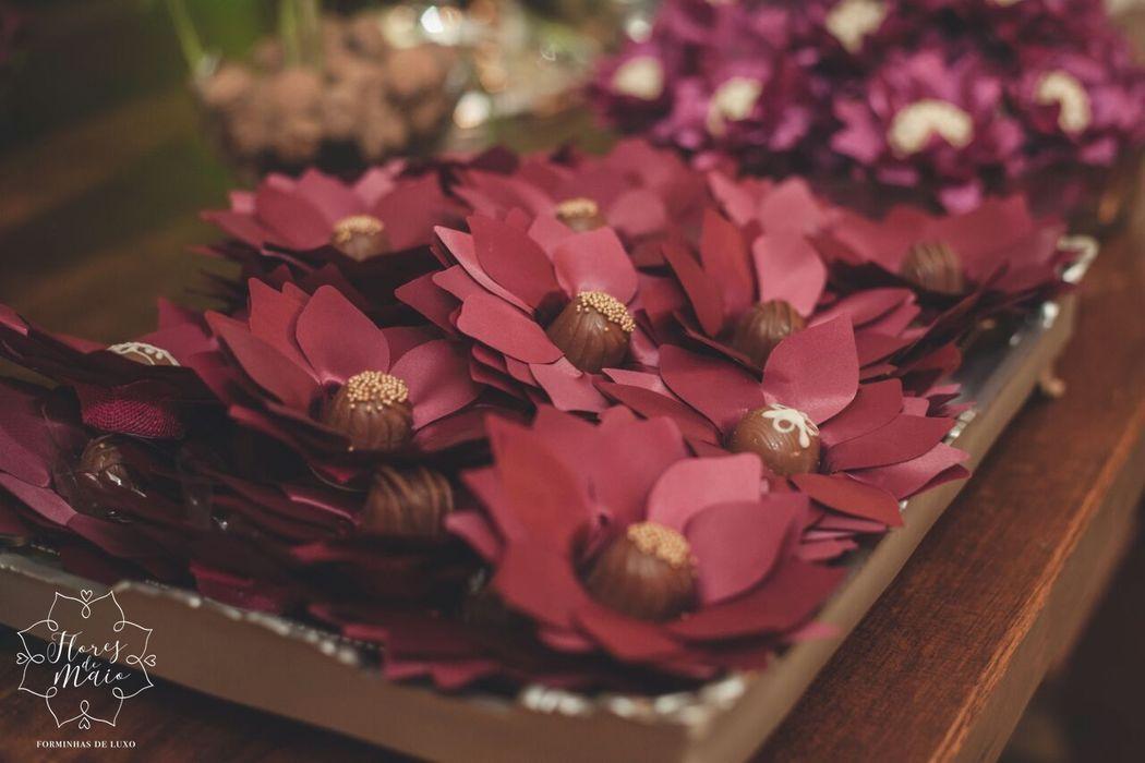 Flores de Maio Forminhas de Luxo