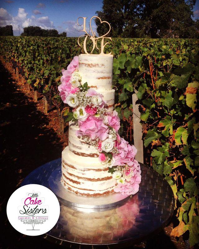 naked cake fleurs fraîches