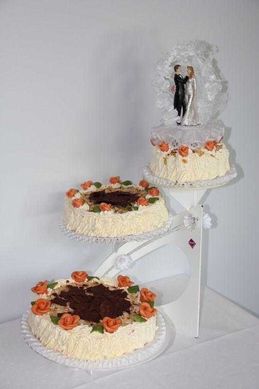 Beispiel: Hochzeitstorte, Foto: Restaurant Waldmannsburg.