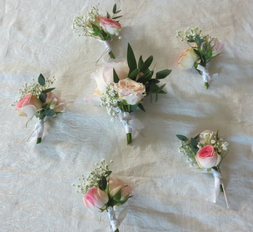 Un cerisier en fleurs - Mariannick DOUSSOT