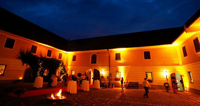 Beispiel: Ganglbauergut am Abend, Foto: Eventbauernhof Ganglbauergut.