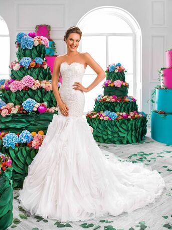 Оригинальное свадебное платье силуэта русалка от Helen Miller