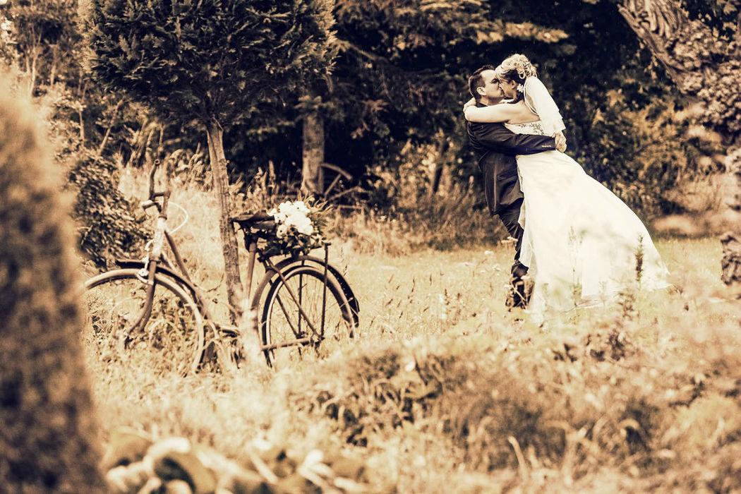 romantisch verspielte Hochzeitsfotografie, Vintage,moderne Hochzeitsfotografie Land Brandenburg Berlin, die besten Hochzeitsfotografen, bpp Auszeichnung, iris Woldt Hochzeitsfotografie