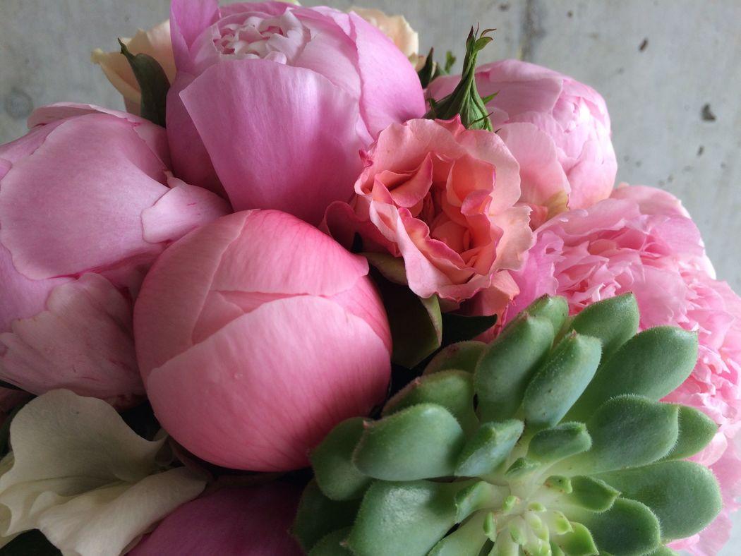 #Nature Lodge #Brautstrauss #Brautstrauss Frühling #Brautstrauss Pfingstrosen  #Brautstrauss pink