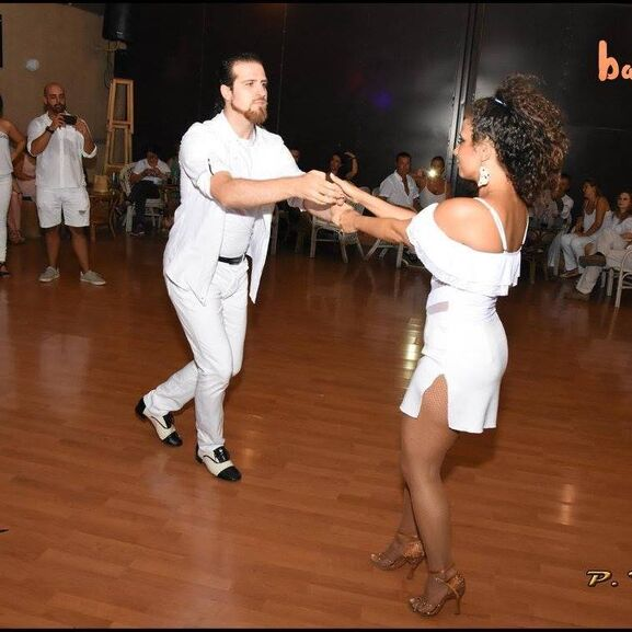 Antonio e Inma ven a bailar