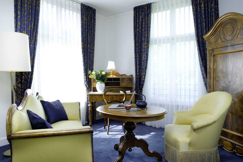 Beispiel: Zimmer, Foto: Bad Schauenburg.