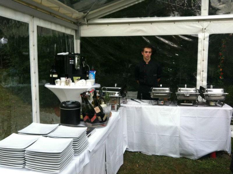 Beispiel: Buffet- und Personal-Service, Foto: Adel.es Catering..